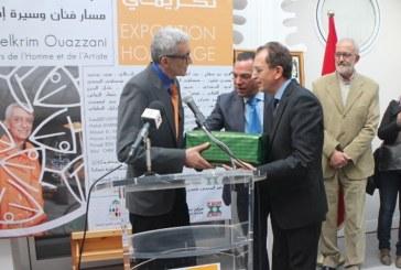 الصبيحي يكرم التشكيلي التطواني عبد الكريم الوزاني