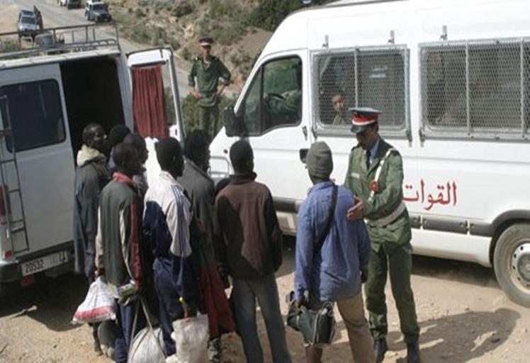السلطات تشرع في تفكيك مخيمات الأفارقة بالغابات المحاذية للثغور المحتلة