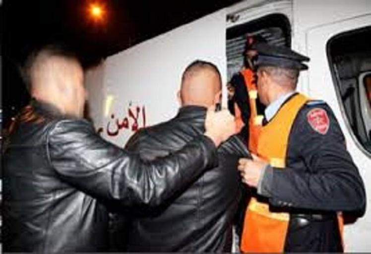 """إيقاف مشجعي إحدى """"التراس البيضاوية"""" وبحوزتهم شهب إصطناعية وأقراص مهلوسة بتطوان"""
