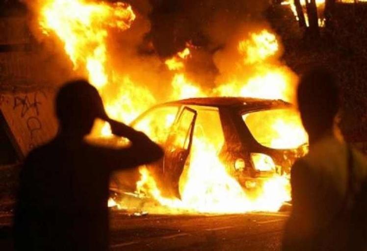 احتراق أربع سيارات بتطوان والسلطات الأمنية تفتح تحقيقا