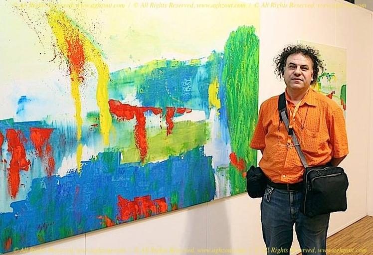 التشكيلي التطواني عبد الخالق أغزوت،يبدع بريشته في المزج بين الفن والعلم