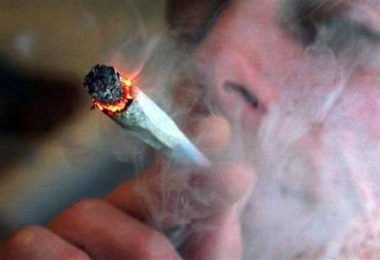 تقرير صادم يكشف عدد المتعاطين للمخدرات بالمغرب
