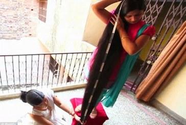 فيديو:هندية تمتلك أطول شعر في العالم