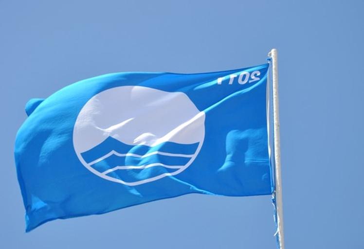 22 شاطئا يحصل على اللواء الأزرق خلال هذا الصيف