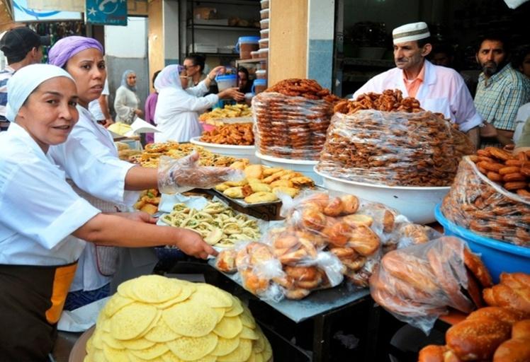 """الوفا والضريس يطمئنان المغاربة على """"مائدة رمضان"""" العرض يفوق الطلب"""