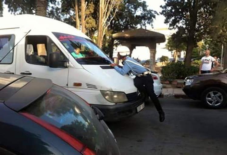 إصابة بليغة لشرطي مرور بطنجة دهسته سيارة نقل سري