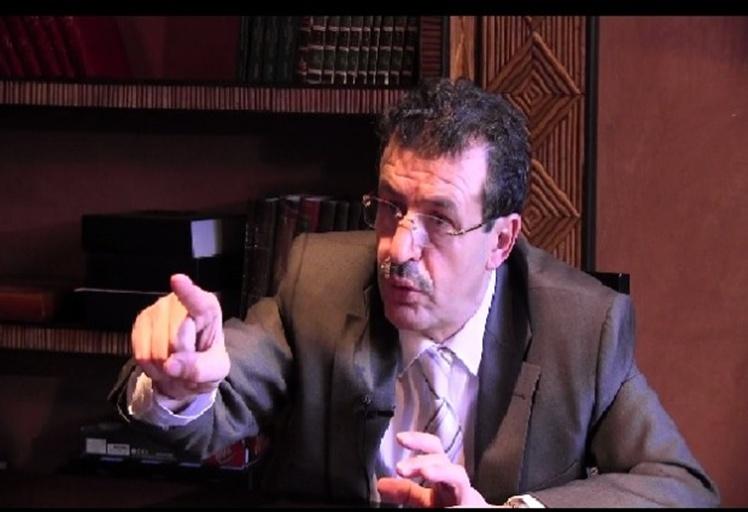 رئيس المغرب التطواني لكرة القدم يسلم صهره لمصالح أمن تطوان