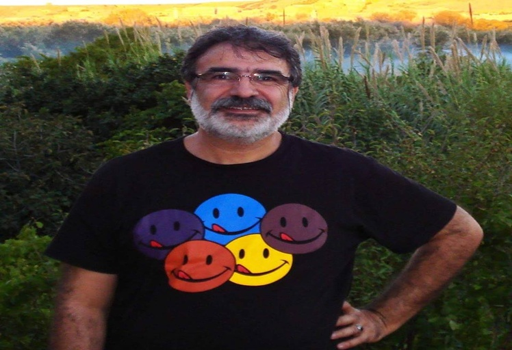 تكريم التشكيلي التطواني بالملتقى الدولي لفناني القصبة بمدينة أليكانتي الإسبانية