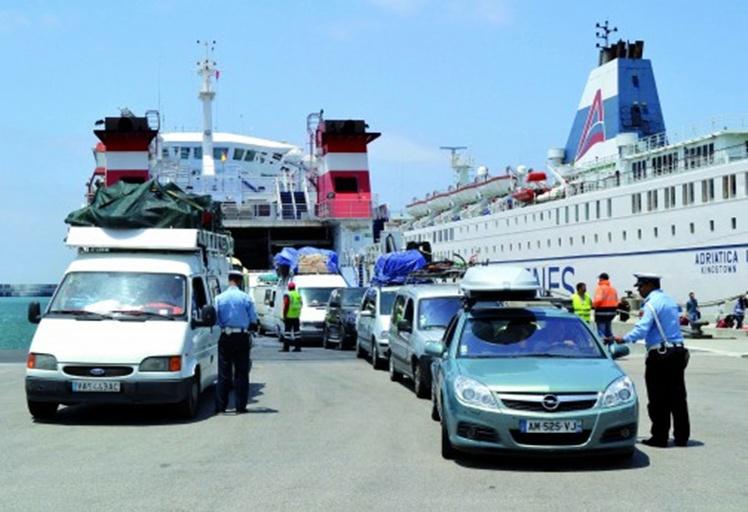 """إحباط تهريب مبالغ من """"الأورو"""" بميناء طنجة المتوسط"""