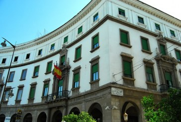 """بالصور: نواعم  في """"حراسة"""" القنصلية الإسبانية بتطوان"""