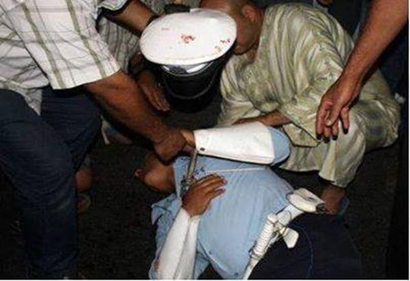توقيف امرأة طعنت شرطيّ في عنقه بتطوان