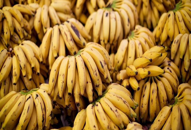 ما يجب الإنتباه له عند شراء الموز!!