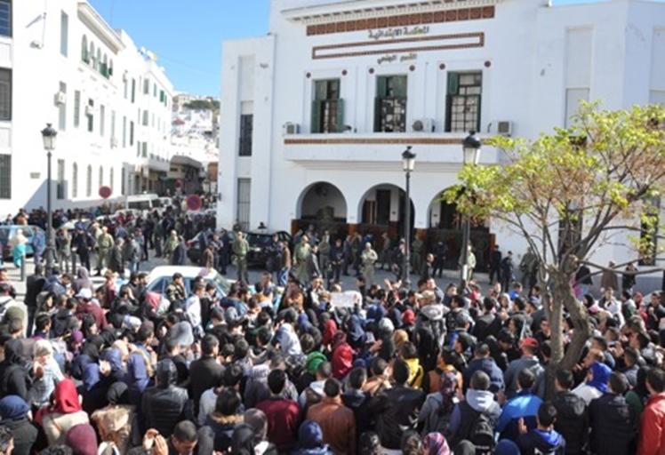 النيابة العامّة تستمع لطلبة معتقلين بتطوان