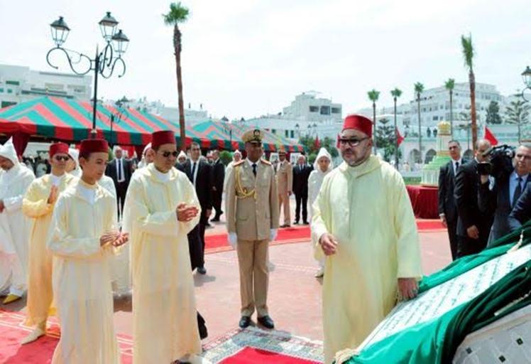"""الملك محمد السادس يدشن ساحة """"الفدان"""" بتطوان"""