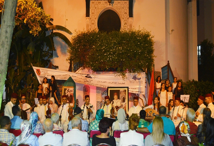 مهرجان عبد الصادق اشقارة بتطوان للتواصل مع مغاربة العالم يحيي سهرة فنية بهيجة