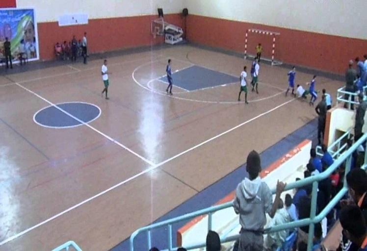القصر الكبير يفتتح النسخة 2 من الدوري الدولي لكرة القدم داخل القاعة