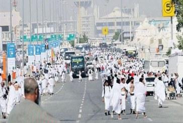 الحجاج يتوافدون على منى استعدادا لركن الحج الأعظم ووفاة 239 حاج دون تحديد الجنسيات