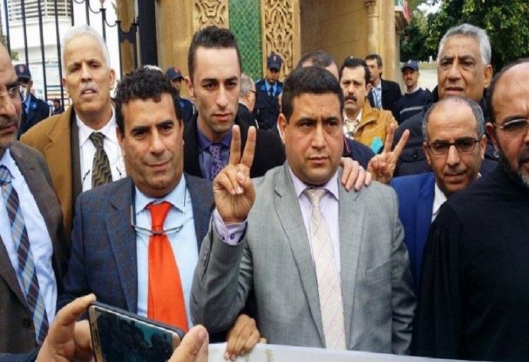 """محامون شباب بتطوان يصدرون بيانا حول قبول القاضي """"الهيني"""" بهيئة المحاماة"""