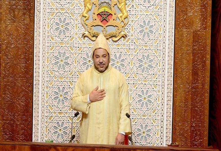 الملك يفتتح الولاية التشريعية العاشرة ويوجه خطابا ساميا إلى الحضور و الأمة