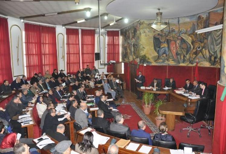 """مجلسُ حضرية تطوان: قرار أمانديس قطعَ الماء """"انفرادي"""""""