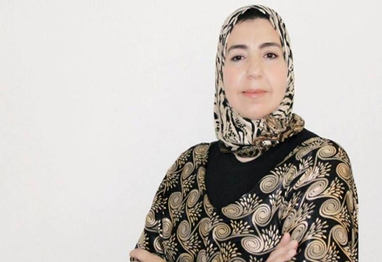 تدوينة عنصرية تجر البرلمانية خديجة الزياني للقضاء
