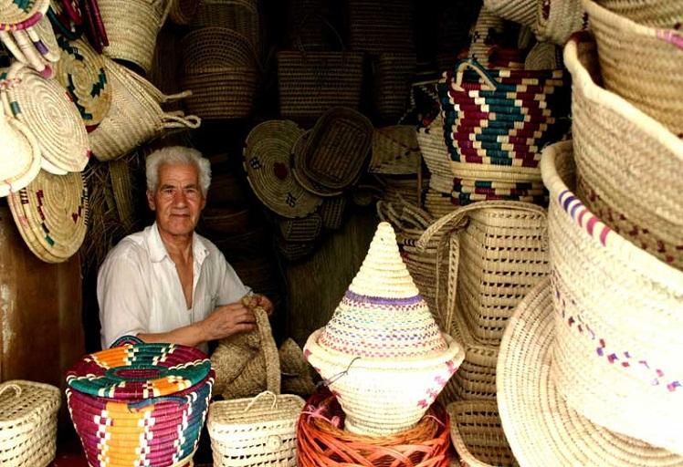 """معرض للصور """"بسان روكي"""" الاسبانية يعرض صورا للحرف التقليدية بتطوان"""