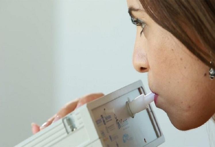 ابتكار جهاز إلكتروني يكتشف الأمراض من خلال رائحة الأنفاس