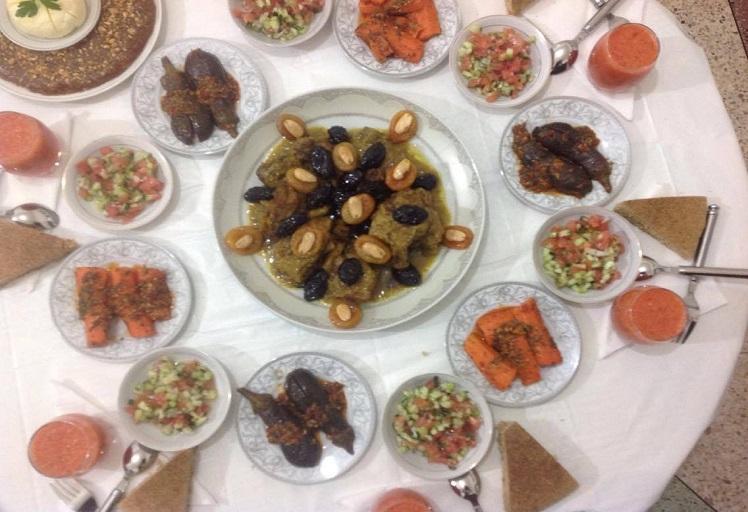 مفاجأة: نصف الأسر المغربية ترمي الطعام دون تناوله