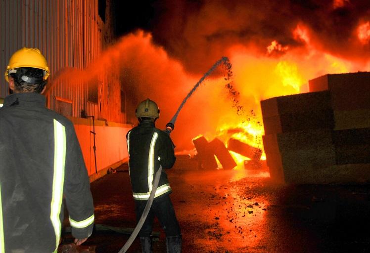 النيران تأتي على منزل بمدينة تطوان