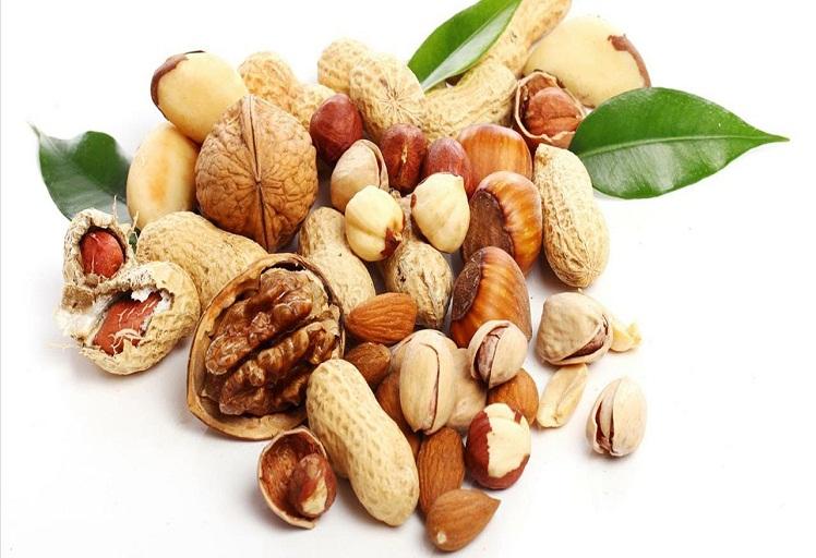 دراسة جديدة تؤكد فائدة المكسرات في الوقاية من الإصابة بمرض السكري