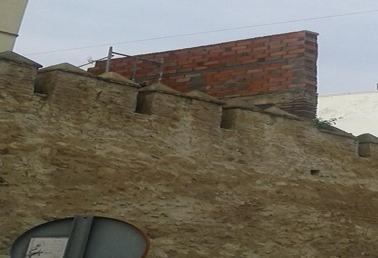 أعمال بناء تهدد سور المدينة العتيقة بتطوان