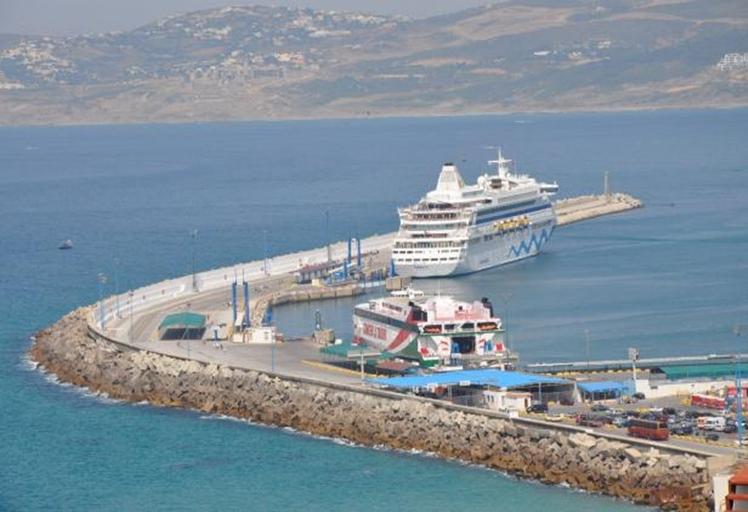 استئناف النقل البحري بين طنجة المدينة وطريفة