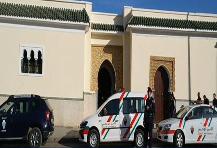 """سابقة..رجل أمن يستدرج مصلي خارج المسجد بعد الاشتباه في إرتدائه """"حزاما ناسفا"""" ببني أنصار"""
