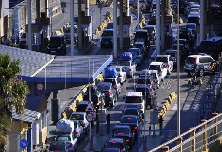 إعادة فتح المعبر الحدودي باب سبتة في وجه المغاربة
