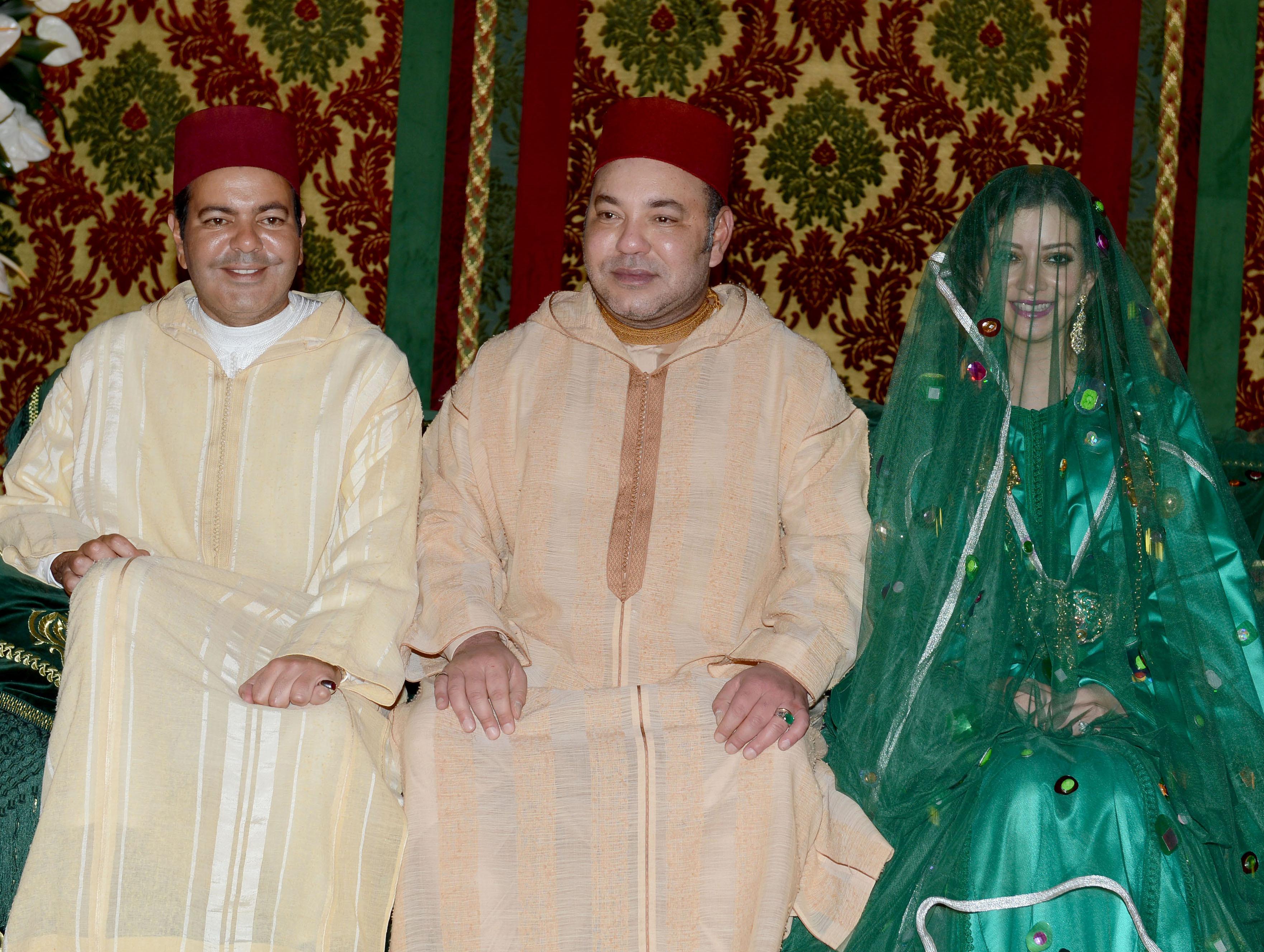 """الملك يمنح زوجة أخيه الأمير مولاي رشيد صفة """"أميرة"""""""