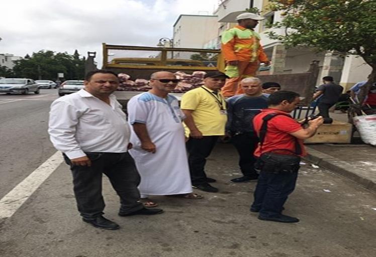 حجز أكثر من 15 طن من الدقيق الفاسد بمتجر وسط مدينة تطوان