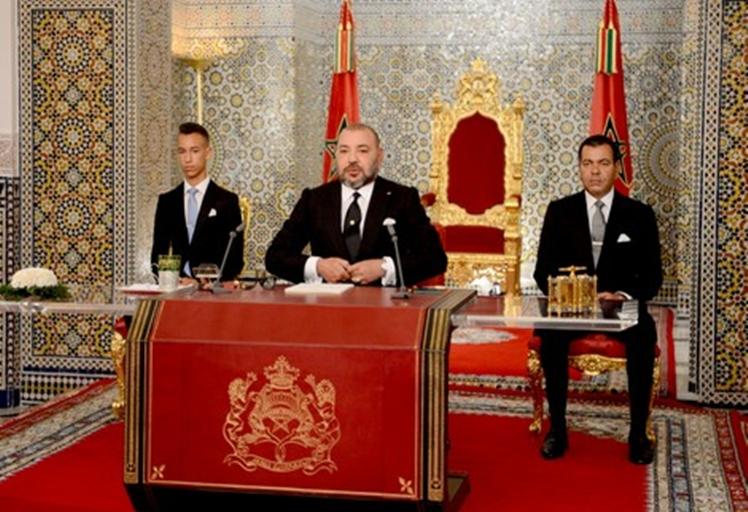 """الملك يوجه غدا خطابا إلى الشعب..وسط تكهناتٍ بحل البرلمان وإعلان """"حالة الاستثناء"""""""