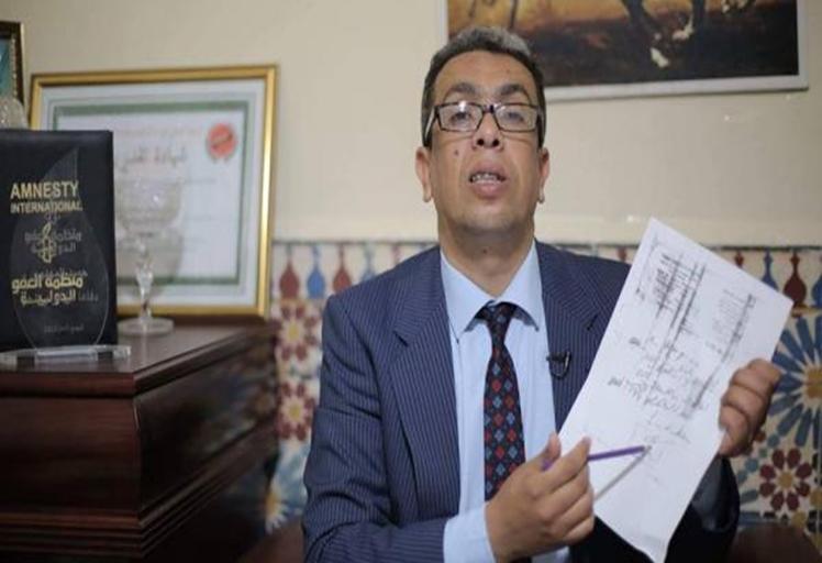 إدانة الصحافي المهداوي المعتقل بالحسيمة بالحبس والغرامة