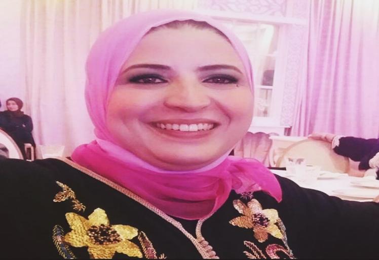 """لبنى عموري مغربية تنافس على لقب """"ملكة المسؤولية الاجتماعية"""""""