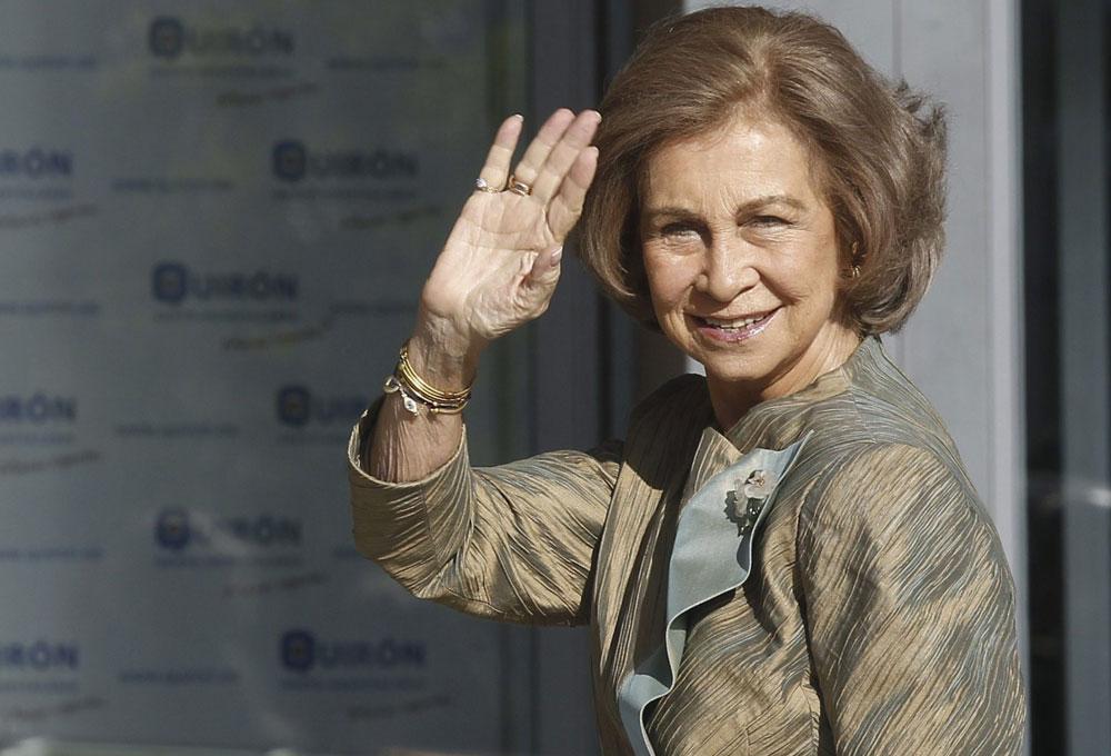 الملكة صوفيا تترأس عرضا عسكريا بسبتة المحتلة وسط صمت مغربي