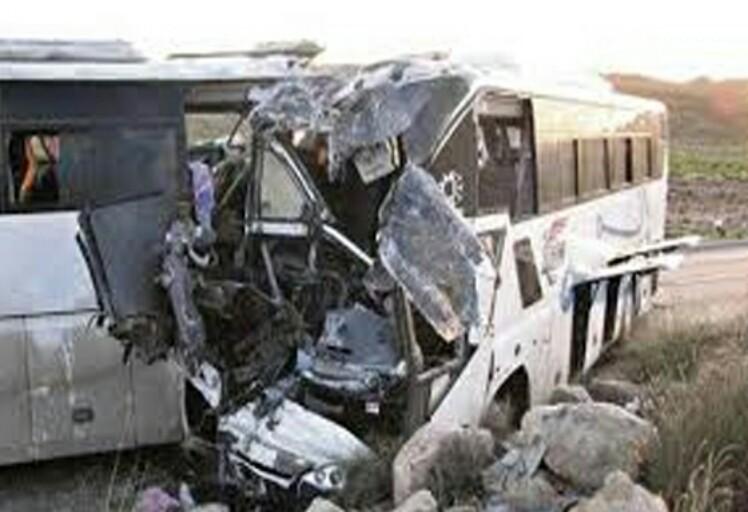 36 مصاب في حادثة سير خطيرة إثر اصطدام حافلة فريق لكرة القدم بأخرى للركاب في الرباط