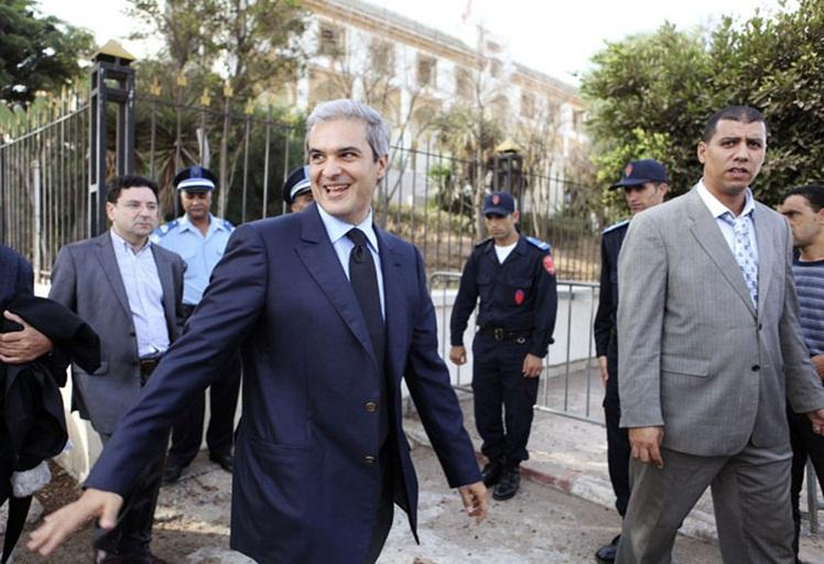 السلطات التونسية تطرد الأمير مولاي هشام في اتجاه فرنسا