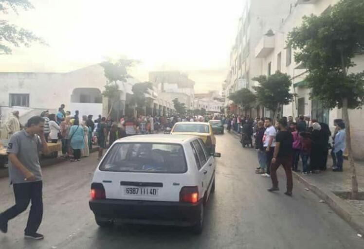فيديو: لحظة إعتداء مجرم خطير على شرطي بحي الباريو في تطوان
