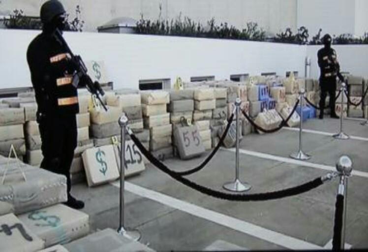 توقيف 10 أشخاص يشتبه في ارتباطهم بشبكة إجرامية منظمة تنشط في مجال الاتجار الدولي في مخدر الكوكايين