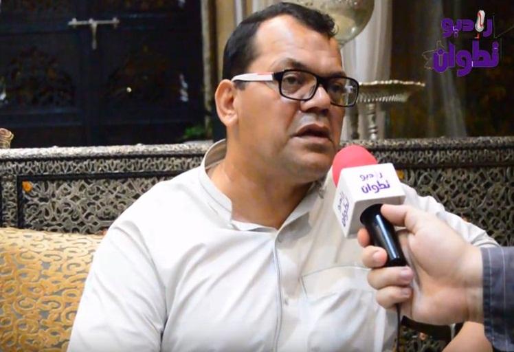 """فيديو: جديد الفنان المغربي """"محمد دهرا"""" وشهادة مميزة في حق الجمهور التطواني"""