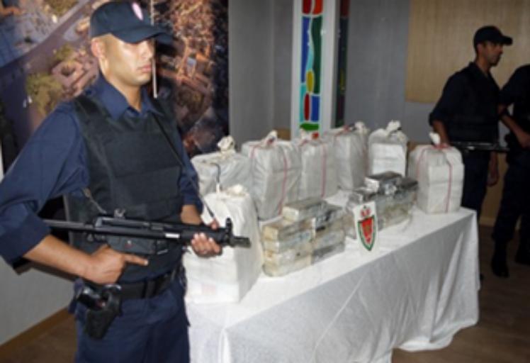الناظور .. توقيف شبكة إجرامية تنشط في مجال الاتجار الدولي في المخدرات والمؤثرات العقلية
