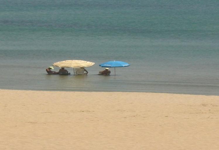 هذه قائمة الشواطئ المغربية التي ينصح بعدم السباحة فيها خلال الصيف