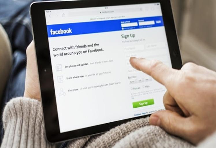 تقرير: أغلب المغاربة يستخدمون هواتفهم الذكية لتصفح مواقع التواصل الاجتماعي