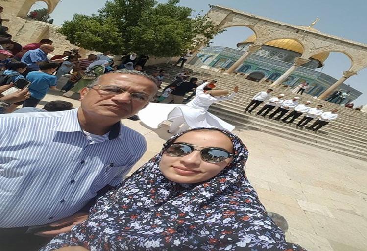 الفنانة التطوانية زينب أفيلال تطل على جمهورها من باحة القدس الشريف