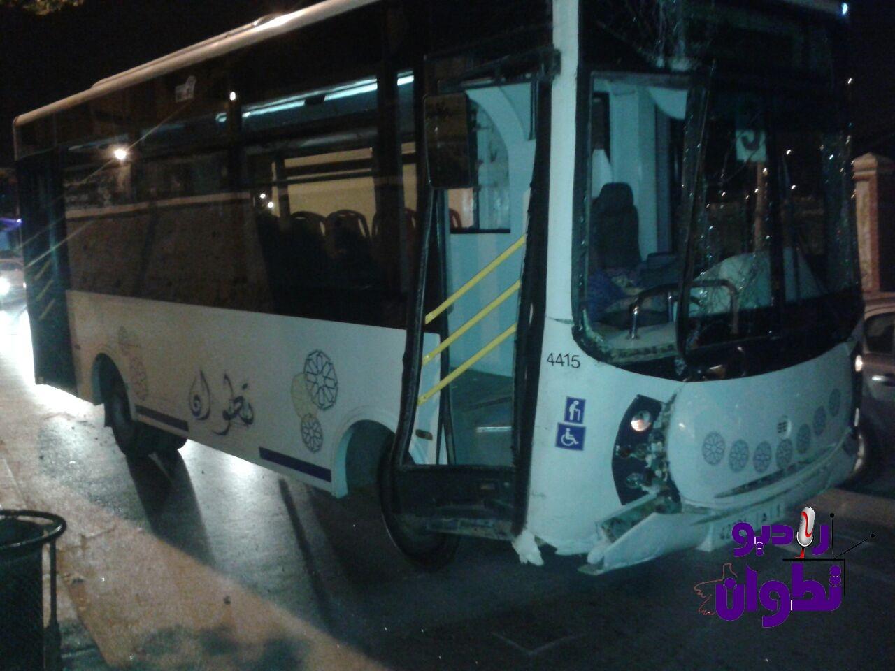 """إصابة فتاة في اصطدام حافلة للنقل """"فيطاليس"""" بعمود كهربائي بحي زيانة في تطوان"""